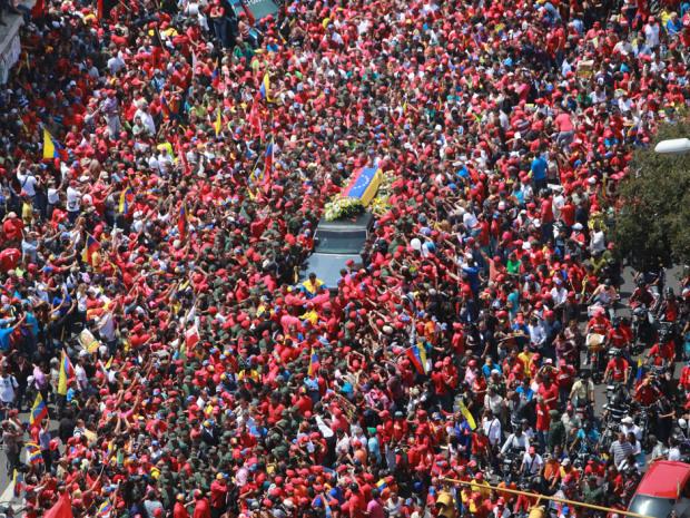 TOPSHOTS-VENEZUELA-CHAVEZ-DEATH-FUNERAL-CORTEGE