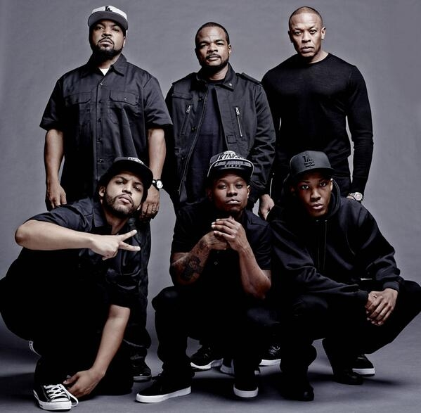 ice-cube-director-f-gary-gray-and-dr-dre-pose-with-the-cast-of-straight-outta-compton-the-n-w-a-biopic
